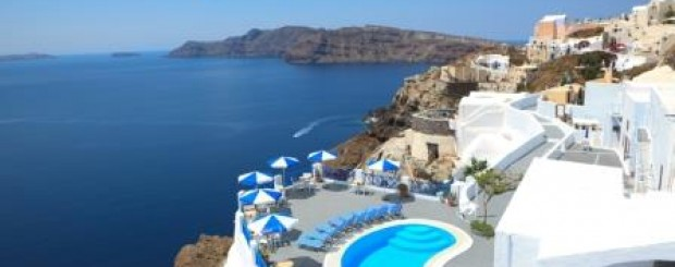 santorini honeymoon romantic moments