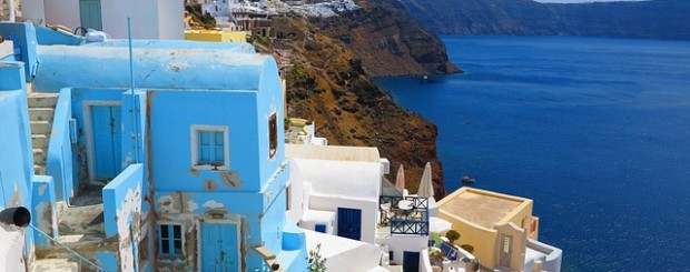 santorini-island-honeymoon-destination