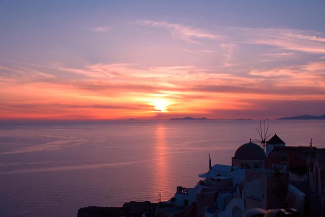 sunset oia santorini
